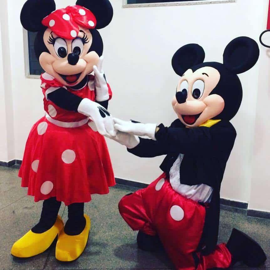 Minnie-vermelha-e-Mickey-Tradicional-Luxo
