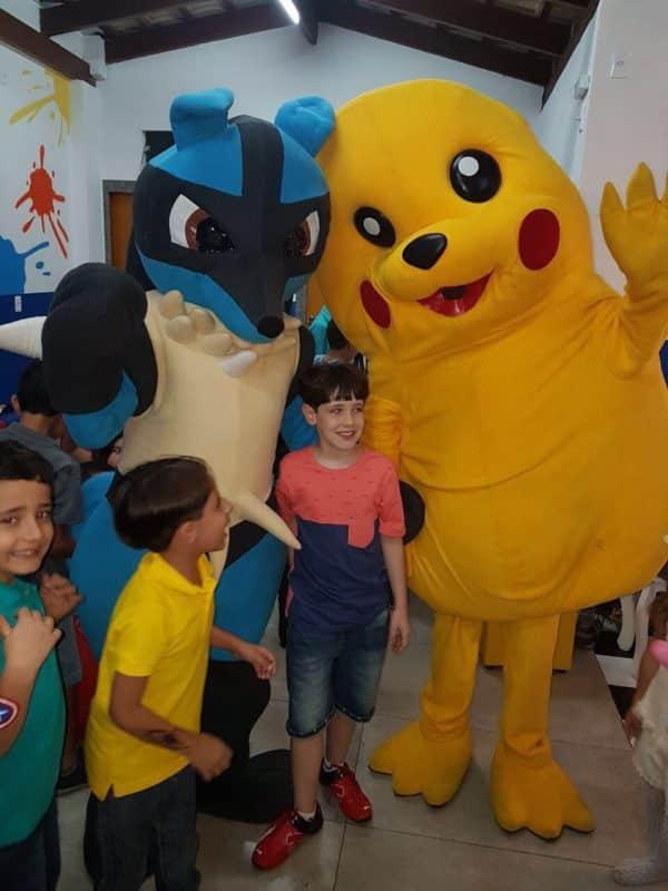 personagem-vivo-pikachu